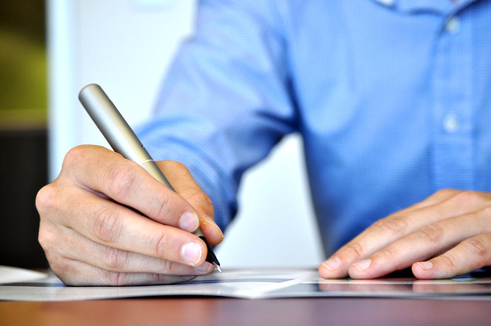 Schrijven van teksten voor je website op de ouderwetse manier.